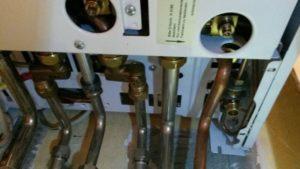 Wo füllt man bei der Therme Wasser nach? - Uhrmann Gasgerätetechnik